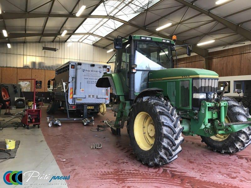 Montage pneu tracteur