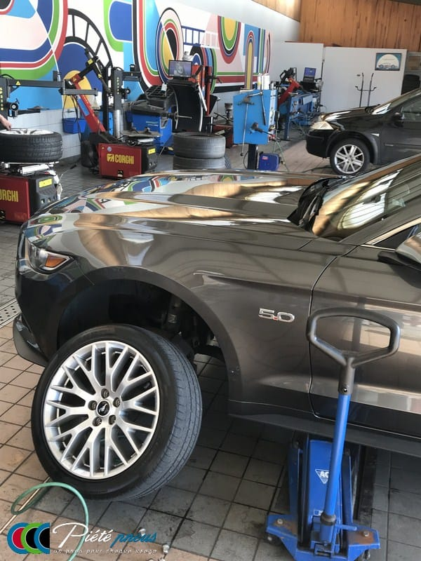 Montage pneus ford mustang GT 2016