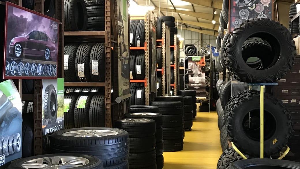 Slider Stock pneus