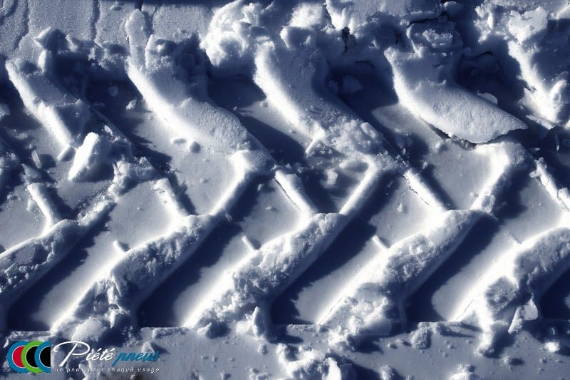 Trace pneu neige