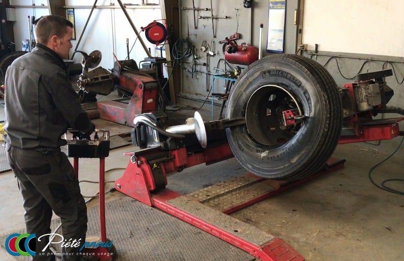 montage pneu poids lourd