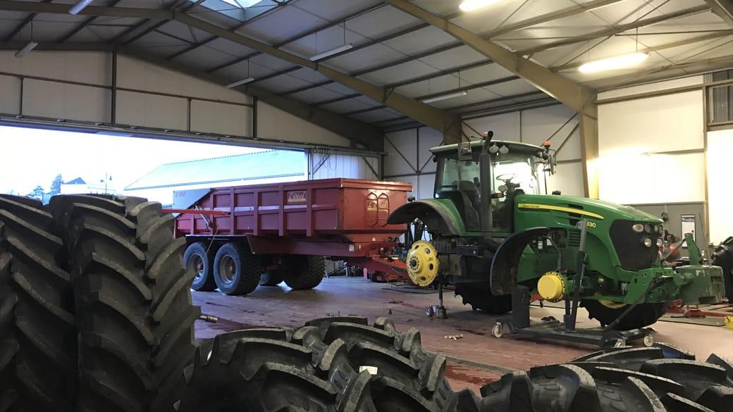 slider Montage pneus tracteur agricole