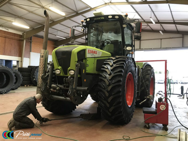 levage-tracteur-forestier-CLAAS XERION 3800
