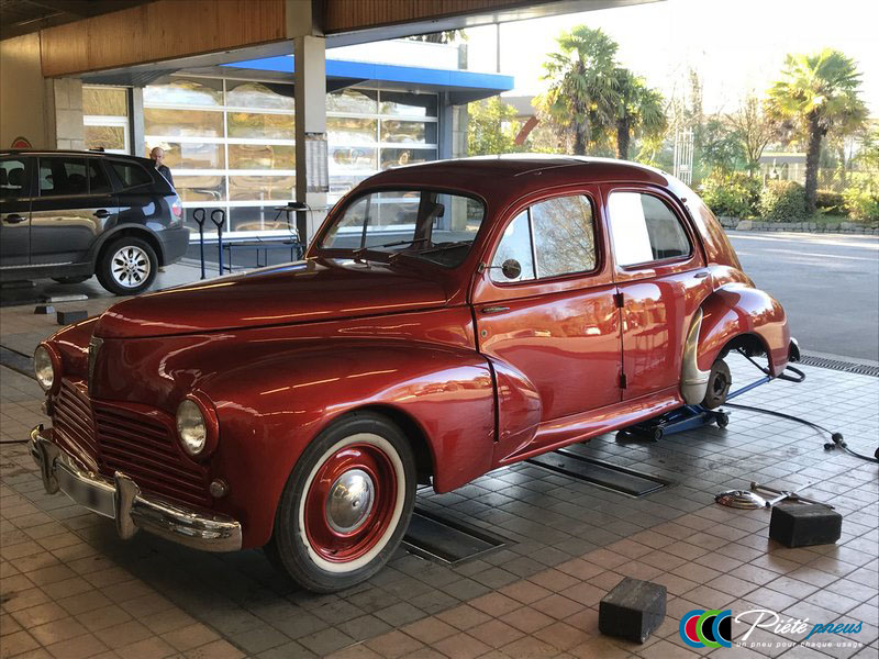 remplacement-pneus-collection-peugeot-203-1948-1