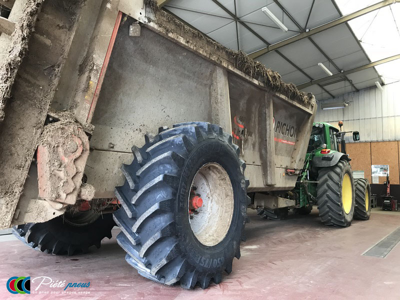remplacement-pneus-epandeur-fumier-1