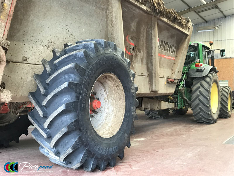 remplacement-pneus-epandeur-fumier-2