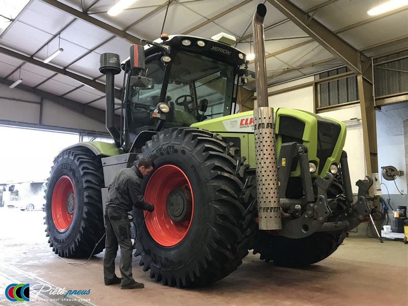 remplacement-pneus-forestiers-tracteur-1-CLAAS XERION 3800
