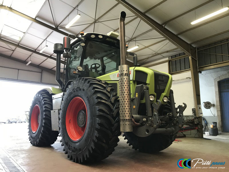 remplacement-pneus-forestiers-tracteur-3-CLAAS XERION 3800