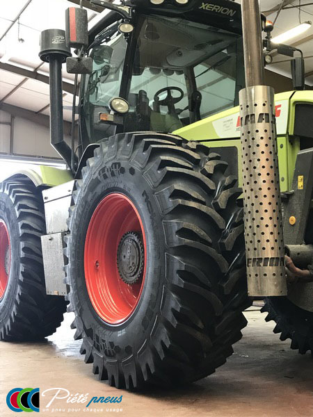 remplacement-pneus-forestiers-tracteur-4-CLAAS XERION 3800