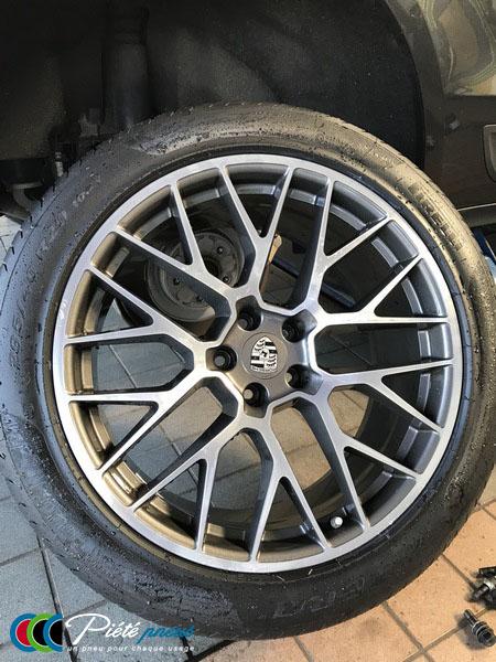 remplacement-pneus-taille-basse-porsche-macan-2