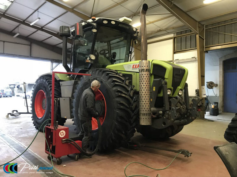 repose-roue-tracteur-forestier-2-CLAAS XERION 3800